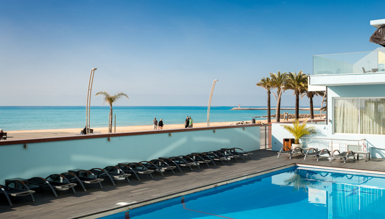 Dom José Beach Hotel nomeado para os Portugal Travel Awards 2016