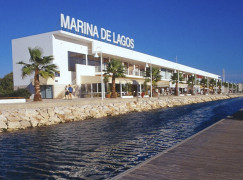Marina de Lagos distinguida com as 5 Âncoras de Ouro